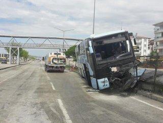 AK Partilileri taşıyan otobüs kaza yaptı: 32 yaralı
