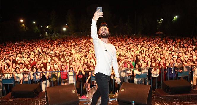 Antalya'da öğrenciler 'aşk diye soludu'
