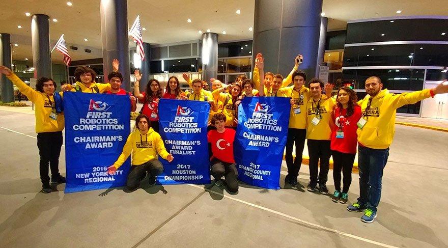 Bahçeşehir Robotik Takımı Amerika'dan 2 ödülle döndü