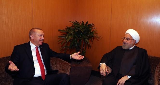 Cumhurbaşkanı Erdoğan, İranlı mevkidaşı Ruhani ile görüştü
