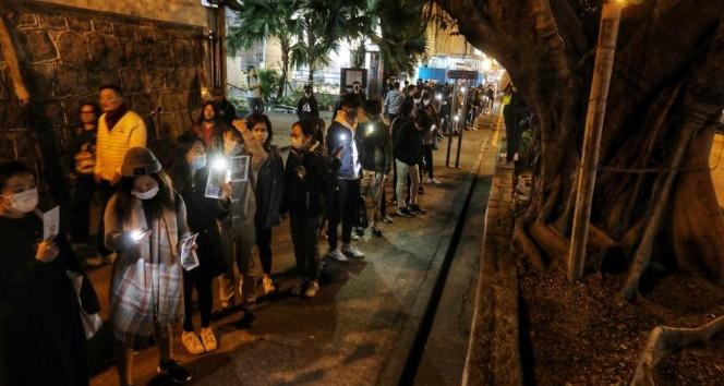 Hong Kong yeni yıla protestolarla giriyor