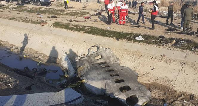 İran, düşürülen uçağın 2 füze ile vurulduğu açıkladı