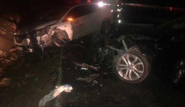 Bursa'da iki araç kafa kafaya çarpıştı 5 yaralı