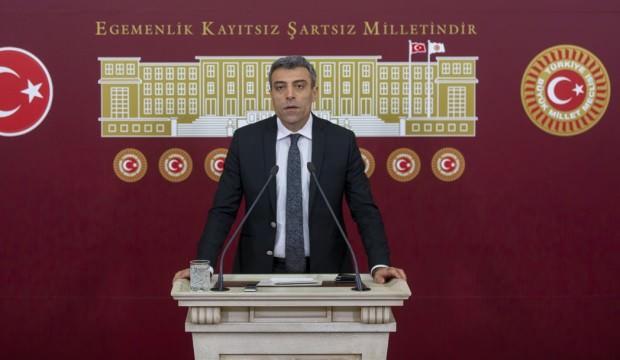 CHP'den ihraç edilen Öztürk Yılmaz, yeni partisini duyurdu