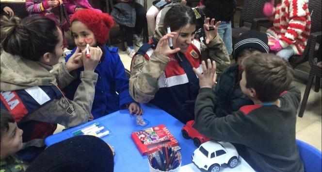 Depremzede çocuklar için etkinlik