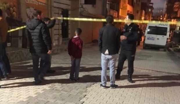 İzmir'de vahşet: Hamile kadın ve oğlu evinde ölü halde bulundu