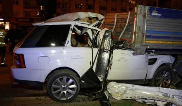Korkunç kaza! TIR'a arkadan çarptı