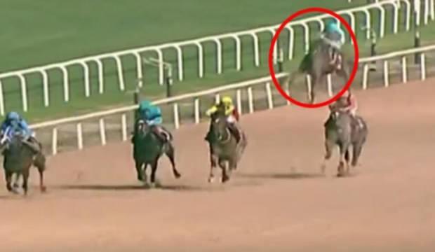 At yarışında yürek yakan görüntü! Başında ağladı…