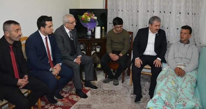 BBP Genel Başkanı Mustafa Destici, İdlib gazisini ziyaret etti