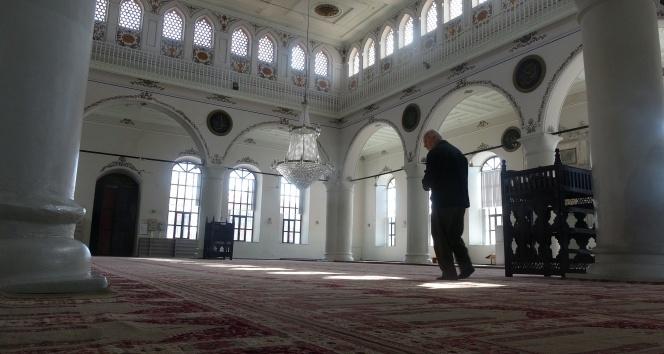 I. Murad yaptırmıştı, 635 yıldır ibadet ediliyor