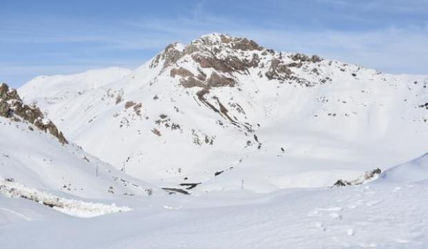 Kardan mahsur kalan köylülere, 1 ay sonra ulaşıldı