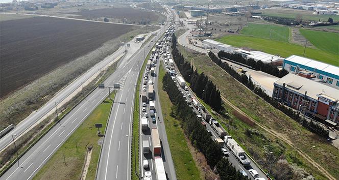 İstanbul'a giriş ve çıkışlarda yoğun denetim