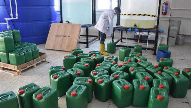 Lise öğrencileri günlük 30 ton dezenfektan üretiyor