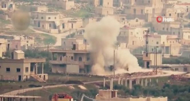 Suriyeli muhalifler Kefr Uveyd köyünü ele geçirdi