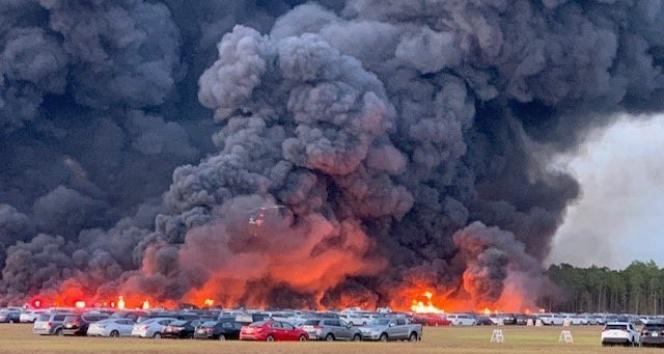 3 bin 500 araç alev alev yandı