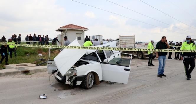 Adana'da feci trafik kazası: 3 ölü, 2 yaralı