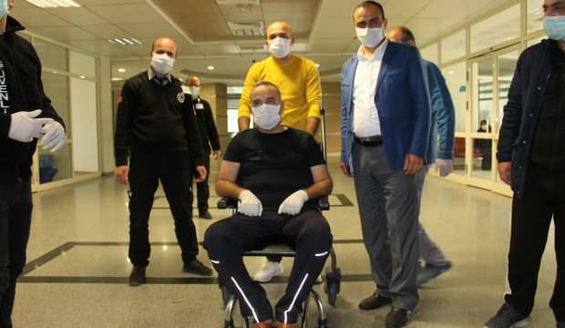 Koronavirüsü yenen hasta davul ve zurna çalınarak taburcu oldu