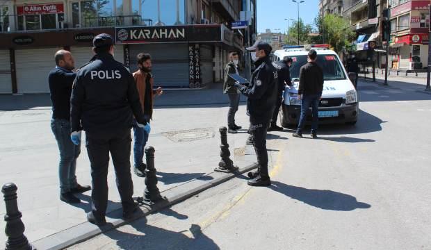 Polisten sosyal mesafeli ceza