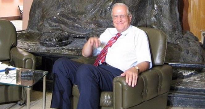 Prof. Dr. Ali Ülkü Azrak, korona virüs nedeniyle hayatını kaybetti