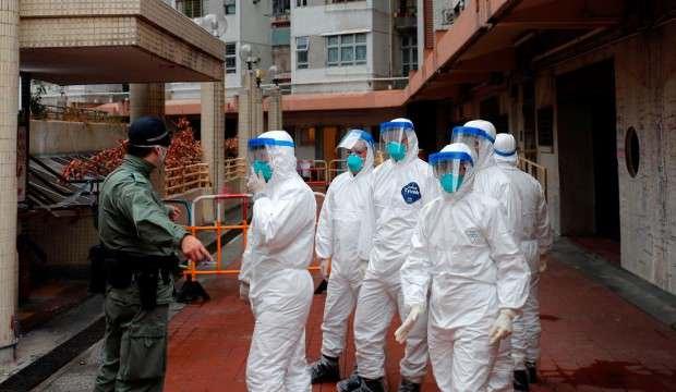 Rusya koronavirüsle mücadele eden İtalya'ya uzman ekip gönderdi