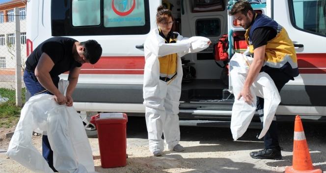 Sağlıkçılar ve ambulanslar virüsten böyle korunuyor