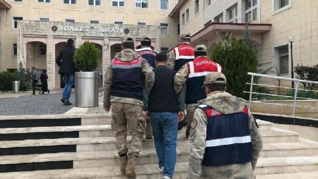 Siirt'te kesinleşmiş hapis cezasıyla aranan 2 kişi yakalandı