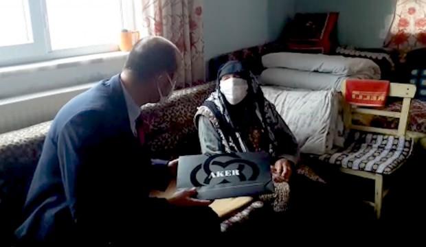 102 yaşındaki Emine nineye Bakan Soylu'dan sürpriz