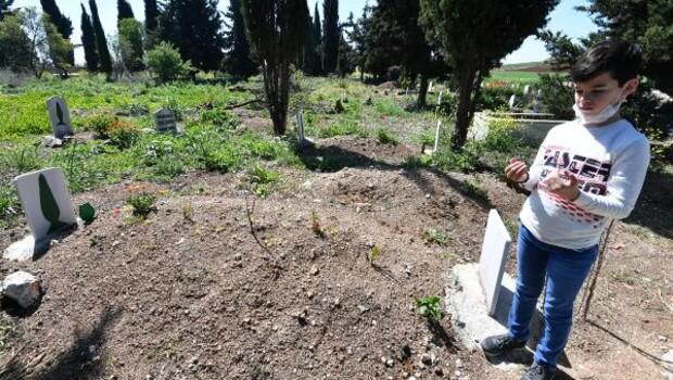 13 yaşındaki Hamza, özel izin ile babasının mezarını ziyaret etti