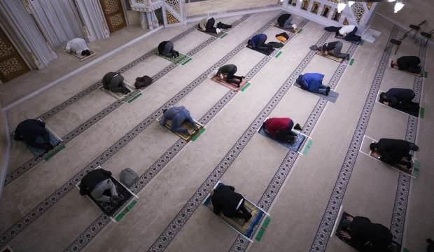8 hafta sonra camileri ibadete açtılar!