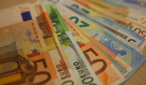 AB ekonomisi corona nedeniyle küçülecek