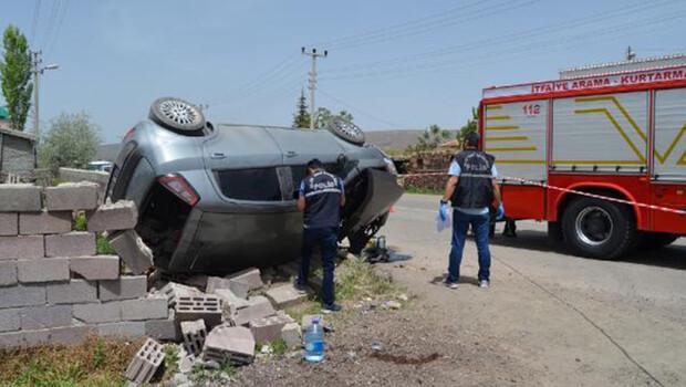 Aksaray'da otomobil duvara çarptı: Fatma Nur öldü, kuzeni yaralı