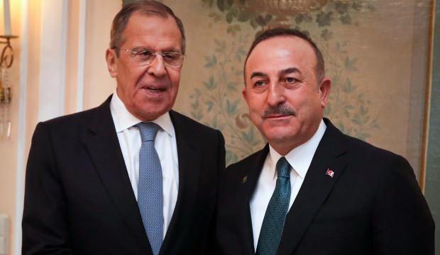 Çavuşoğlu, Lavrov ile Kovid-19 ve turizmi görüştü