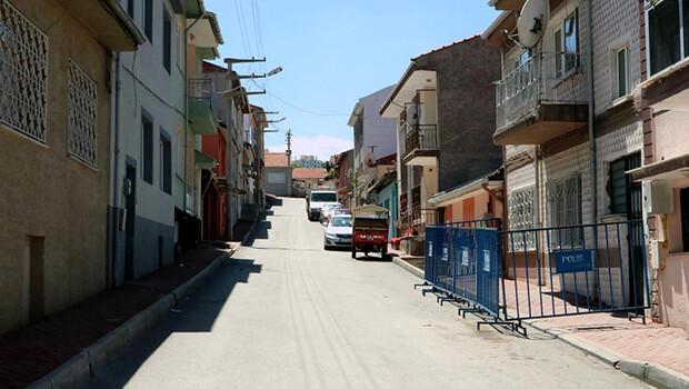 Eskişehir'de, 3 kişide koronavirüs tespit edilen apartmanda 15 kişiye karantina
