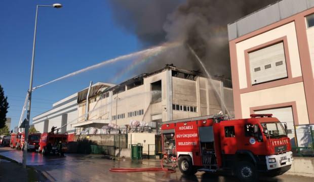 Gebze'de korkutan fabrika yangını