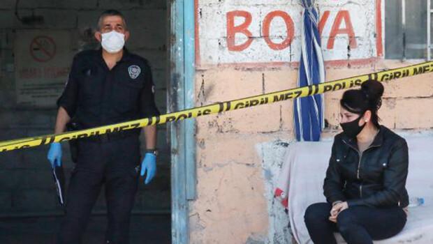 Haber alamadığı babasını, kapı kilidini kırarak girdiği iş yerinde ölü buldu