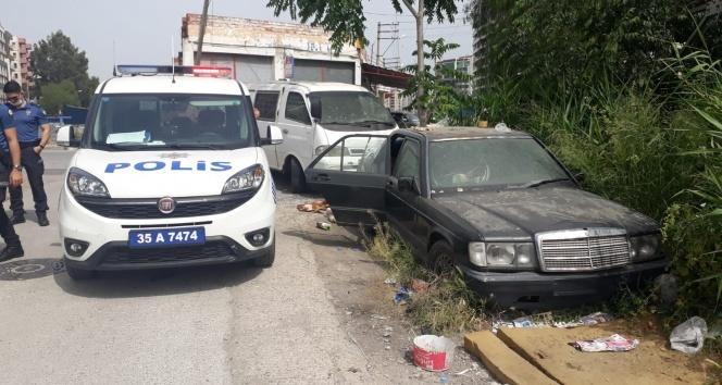 Hurda otomobil içerisinde ölü bulundu