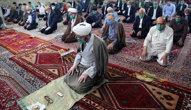 İran'da koronavirüs sebebiyle kapatılan camiler yarın açılacak