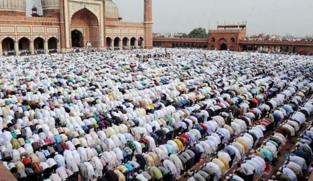 İslam ülkesinden bayram tedbiri: Tokalaşma ve sarılma yasaklandı
