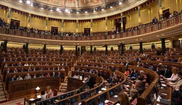 İspanya'da OHAL uzatıldı, Meclis karıştı