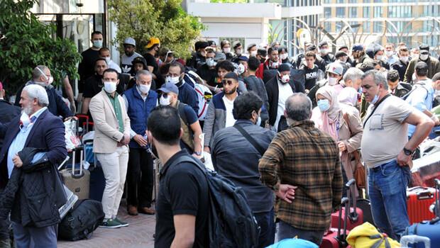 İstanbul'da otel önünde protesto!