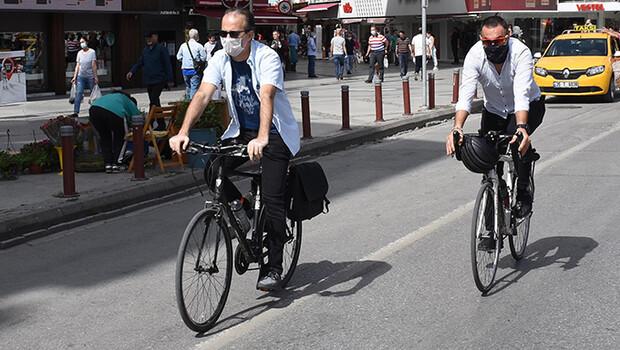 İzmir'de salgın sonrası bisiklet ve motosiklete talep patladı