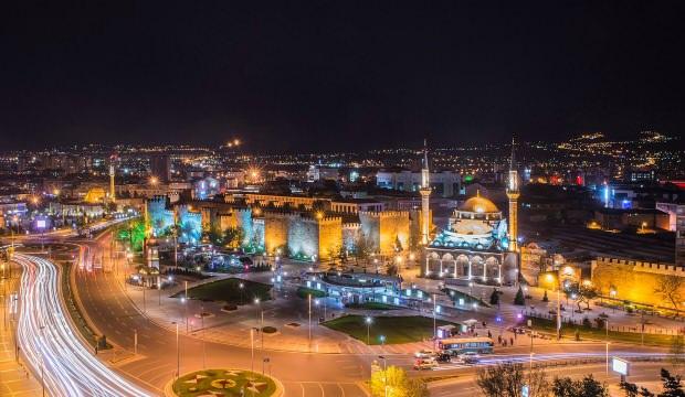 Kayseri'de 22 pozitif vakanın çıktığı mahallede kısmi karantina