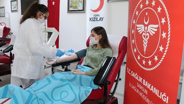 Koronavirüsü yenen doktor, immün plazma bağışında bulundu