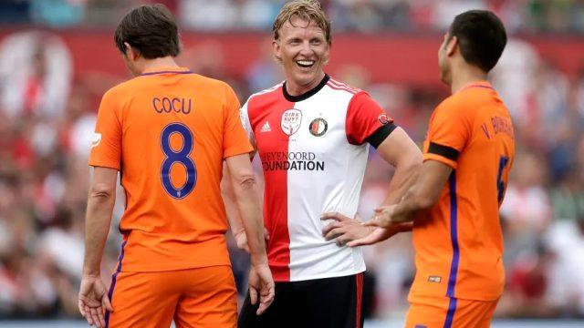 Bergkamp öncülüğünde, Kuyt, Cocu, Koeman ve Larsson'dan oluşan konsorsiyum Premier Lig'den kulüp satın alacak