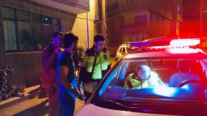 """Polisin """"dur"""" ihtarına uymayan hırsızlık şüphelileri, sıkı takip sonucu yakalandı"""