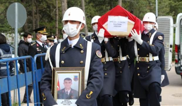 Şehit Jandarma Uzman Çavuş Eyüp Fidan son yolculuğuna uğurlandı