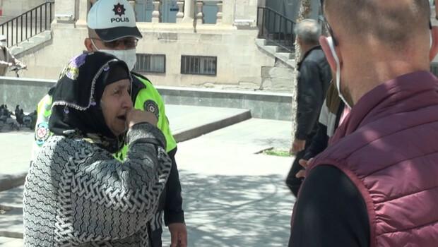 Sokağa çıkmaya hazırlanırken cüzdanı çalınan kadın ağladı