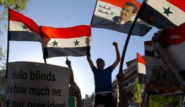Suriye'de Esed destekçileri ABD askerlerinin yolunu kesti