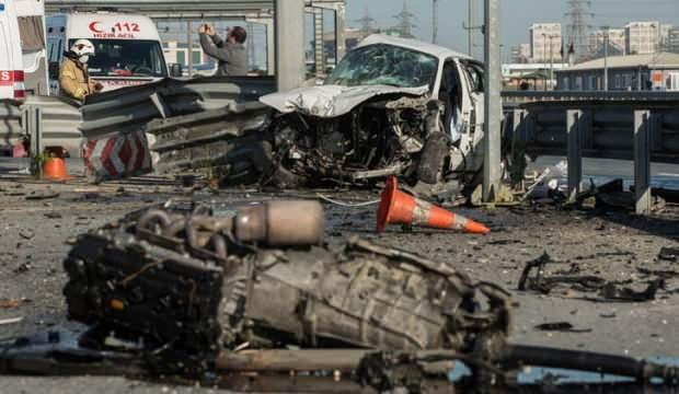 TEM'de feci kaza! İtfaiye ekipleri kurtardı…