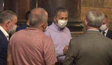 Vali Yerlikaya, Ayasofya'da 86 yıl aradan sonra kılınan ilk sabah namazına katıldı